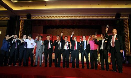 黄榕城会长率我会企业家代表出席广东省揭阳商会年会         林榜昭